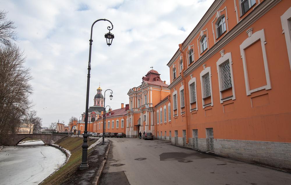 Просфорный корпус Александро-Невской лавры