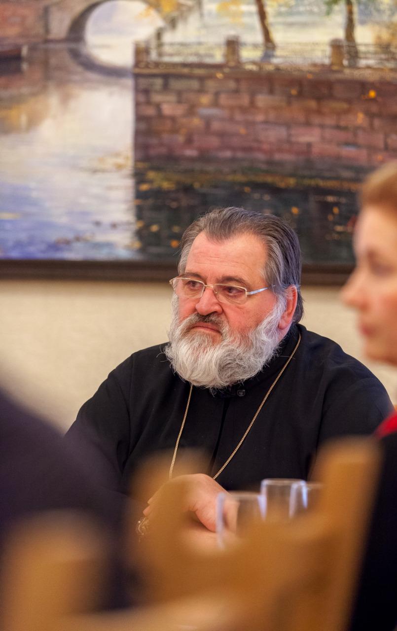 Как наместник александро-невской лавры епископ кронштадтский назарий прошел по благословенной земле лавры уже не
